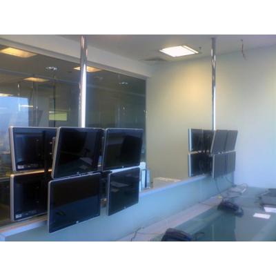 Потолочная мониторная видеостена 2х2